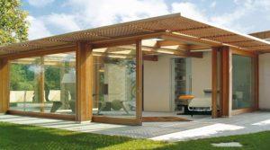 baie coulissant en angle pour une véranda en bois