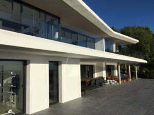 fabrication de menuiseries aluminium Var pour villa d'architecte