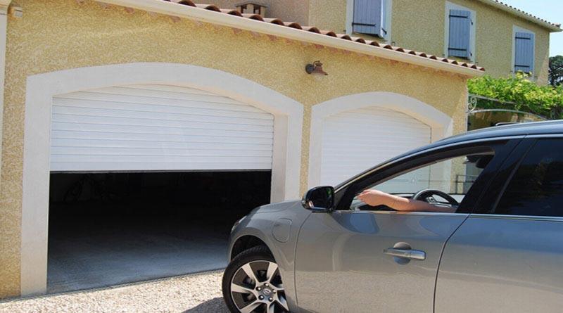 La porte de garage enroulable volet roulant guide menuiserie - Volet roulant porte de garage ...